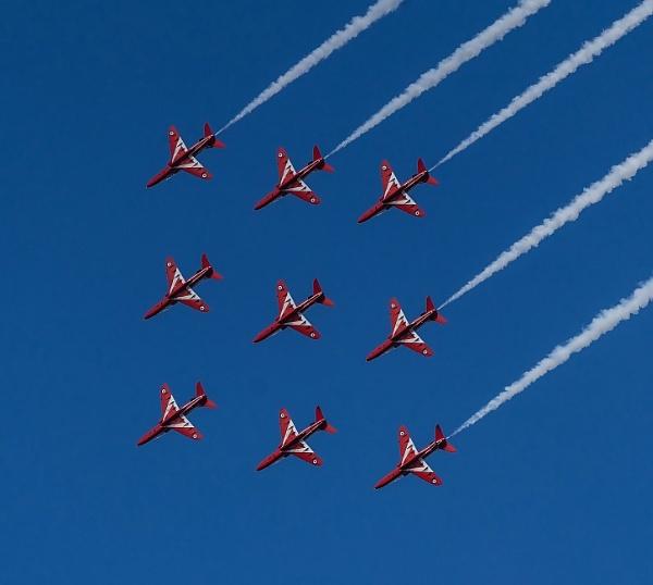 RAF Red Arrows by Gordonsimpson