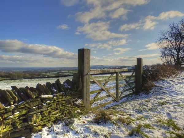 Gateweay to Winter by ianmoorcroft