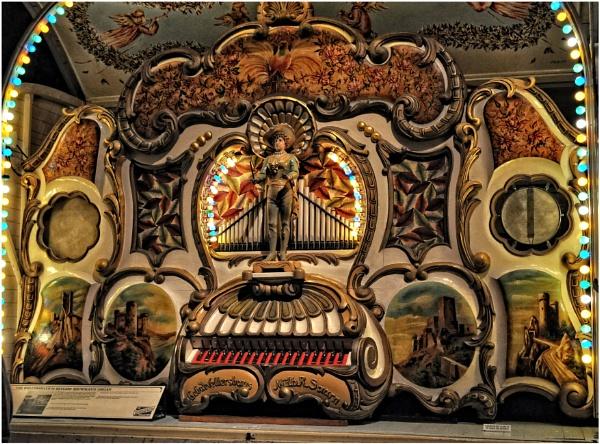 Wellershaus 84 Keyless Fairground Organ by PhilT2