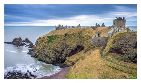 Dunnottar Castle by EddyG
