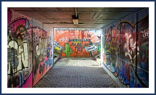Graffiti-Tunnel by kw