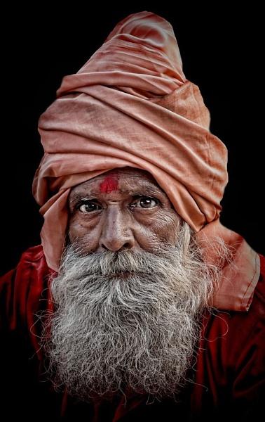 Hindu sadhu in Haridwar by sawsengee