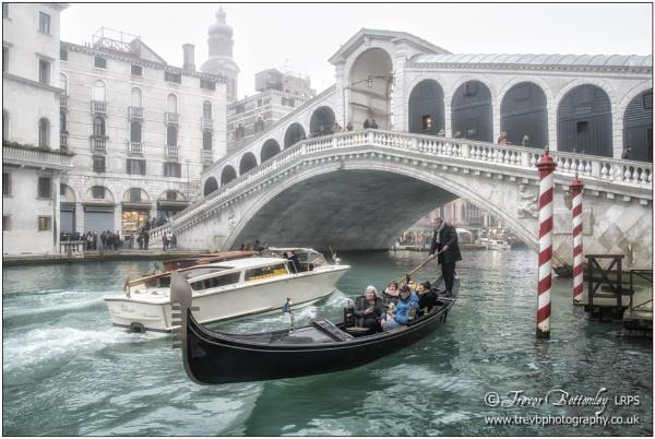 Ponte di Rialto by TrevBatWCC