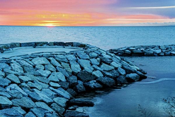 Sunrise by manicam