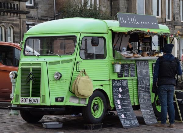 Little Green Van by davyskid