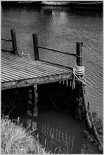 Riverside Mooring by AlfieK