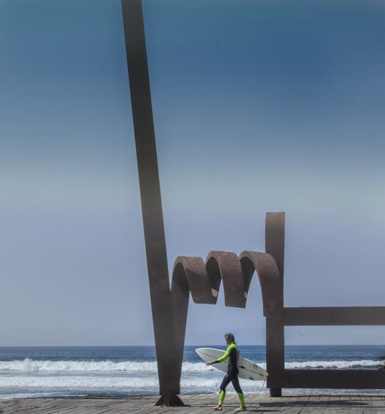 Surfer by MAK2