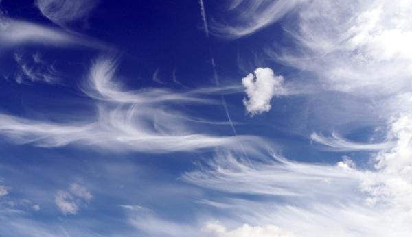 swirly clouds by derekd
