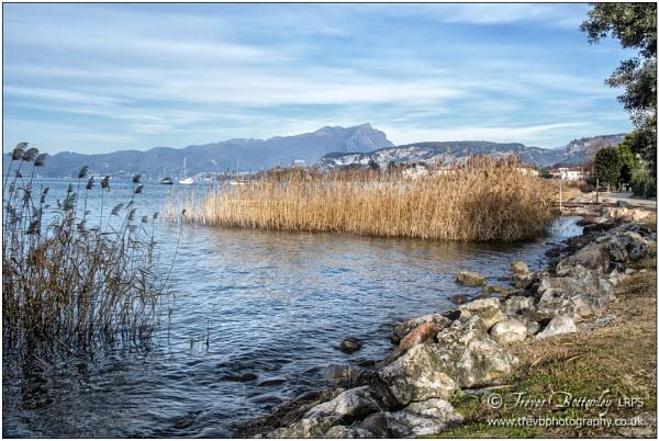 Lake Garda, Christmas Day morning by TrevBatWCC