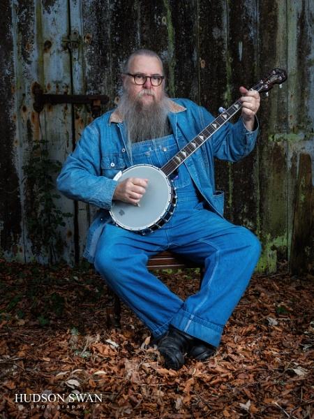 Pickin\' on the Ole\' Banjo... by sunsetskydancer
