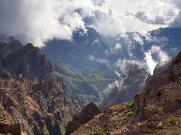 Clouds over Barranco de Altguna, Caldera de Taburiente, La Palma by trailguru