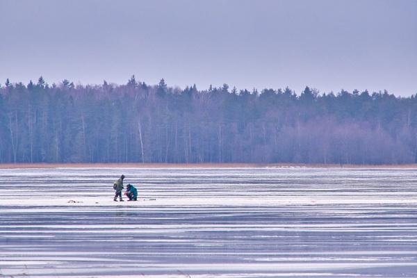 Ice-fish by LotaLota