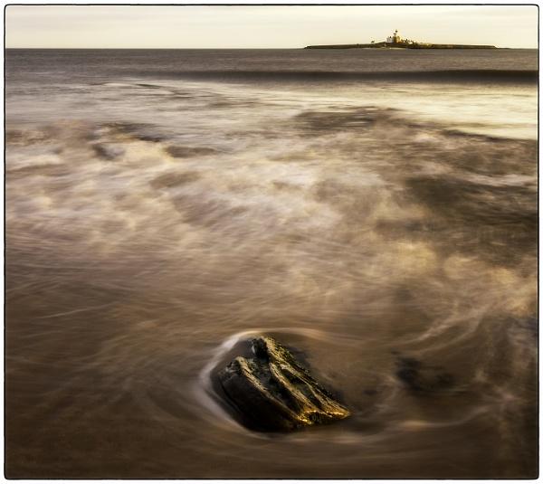 Low Hauxley Beach. by mickmarra