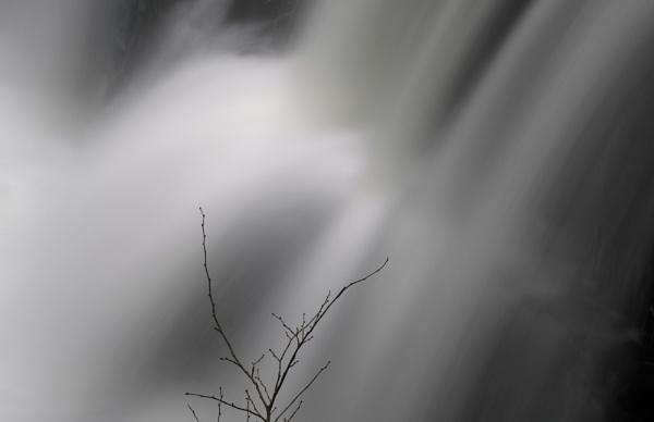 Waterfall by Franticsmurf