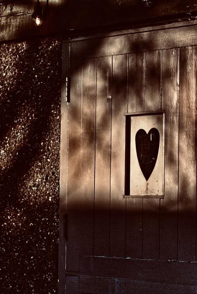 Shadowy heart by KrazyKA