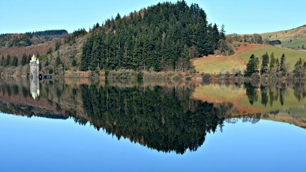 Lake Vyrnwy by nemasi