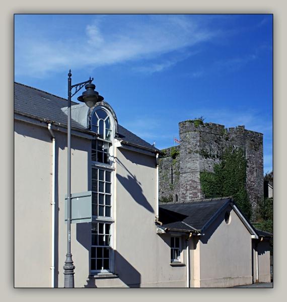 Brecon shadows by helenlinda