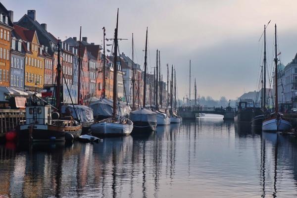 Nyhavn, Copenhagen by mitchellhatpeg