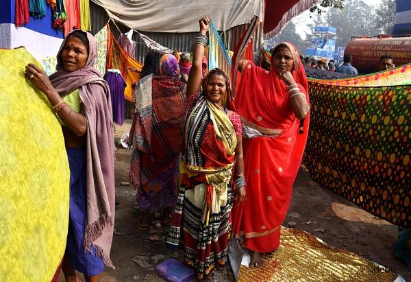 Indian women drying saree on the sun..2 by debu