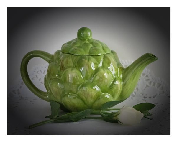 Artichoke Teapot by taggart
