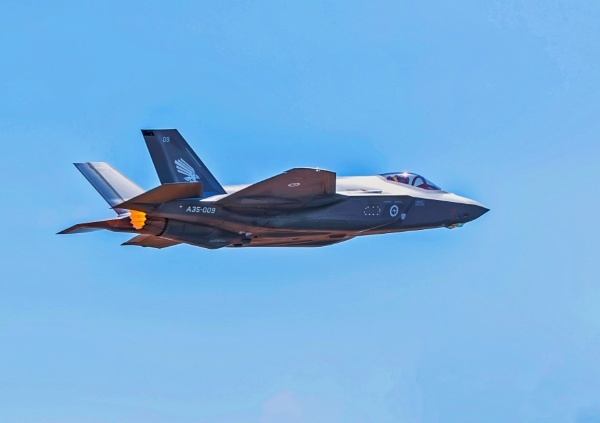 F-35A Joint Strike Fighter by johntorcasio