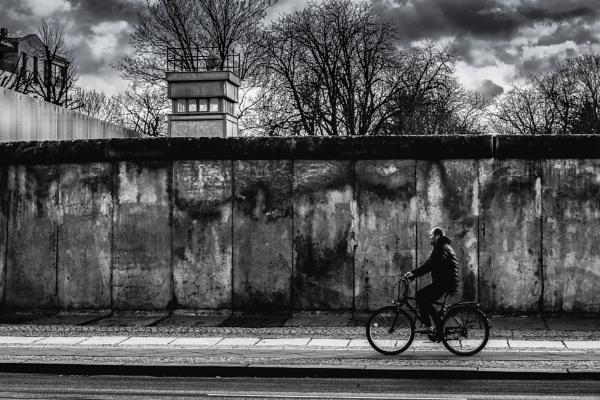 Berlin Wall by Legend147
