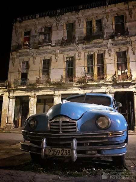 Havana_oldtimer and a house by konig