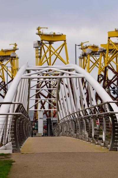 Thompson Bridge, Victoria Park. by BertM