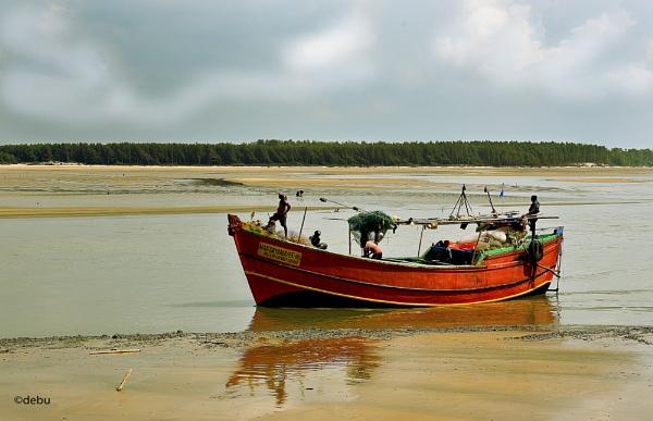 : Fishing boat by debu