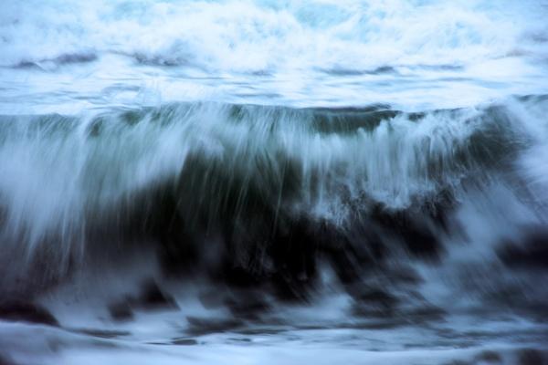 Wild sea by Madoldie