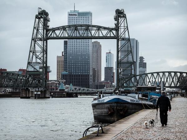 Riskant in Rotterdam + B&W by Drummerdelight