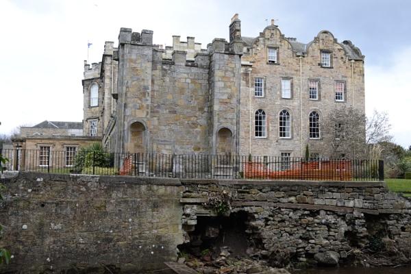 Newbattle Abbey east wing by davyskid