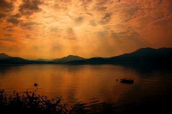 Twilight on Garda by sandwedge