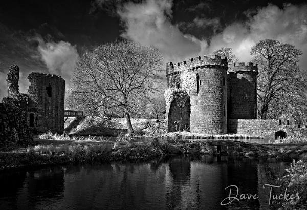 IR Castle by Draig37