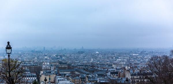 Paris in fog by rninov
