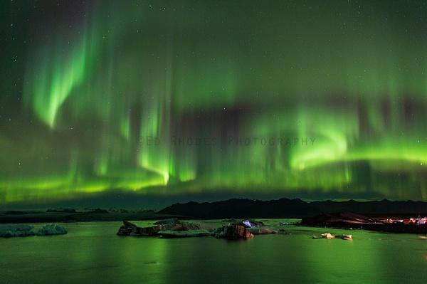 Aurora dreams... by edrhodes