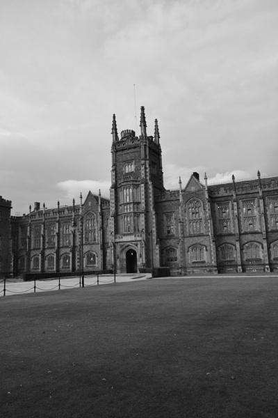 Queens University  by BertM