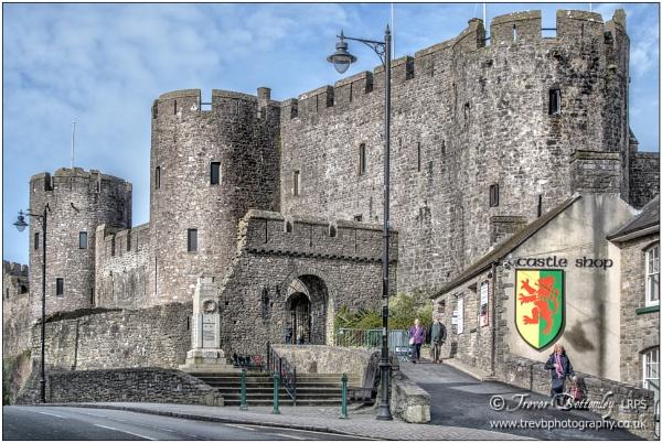 Pembroke Castle 2 by TrevBatWCC