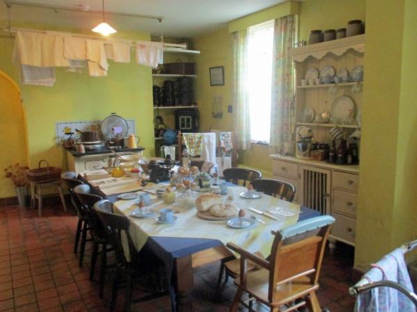1940s Farmhouse Kitchen by Hurstbourne