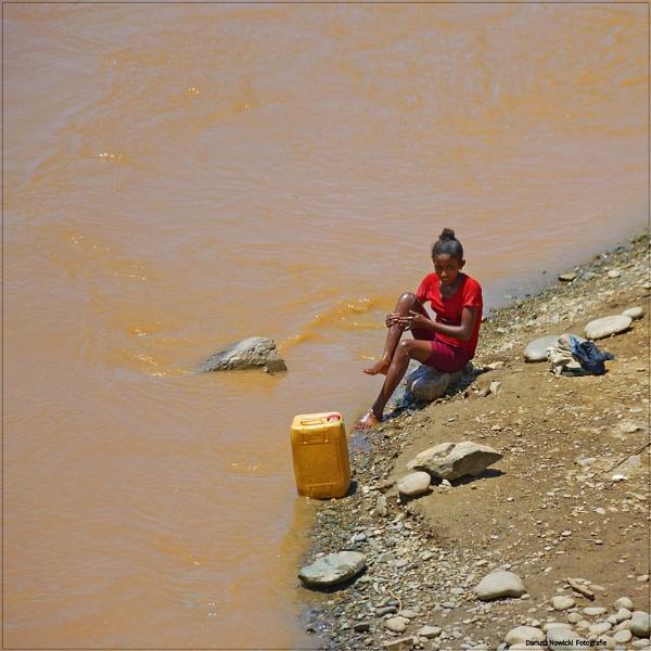 bath  in Tekeze River . Ethiopia by papajedi