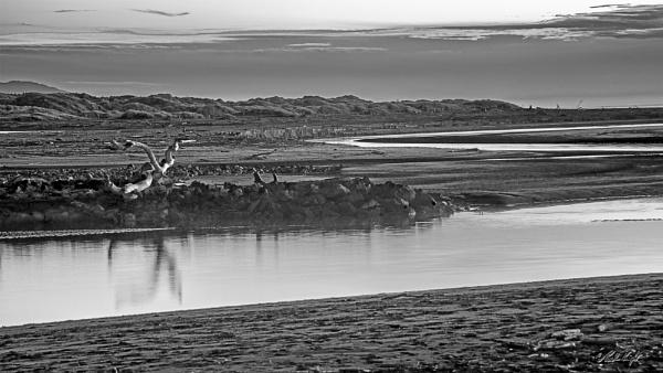 Waikawa Beach & Waikawa River (6494) by paulknight