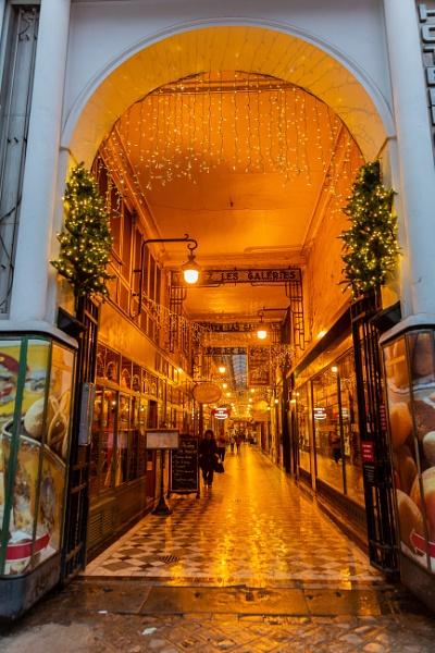 Passage in Paris by rninov