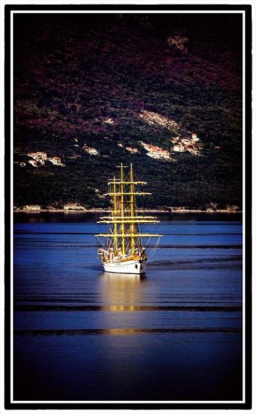 Ship by nklakor