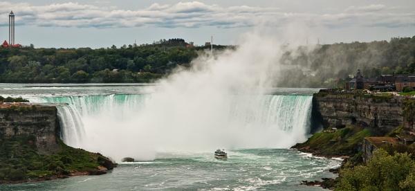 Niagara Falls by barryyoungnz