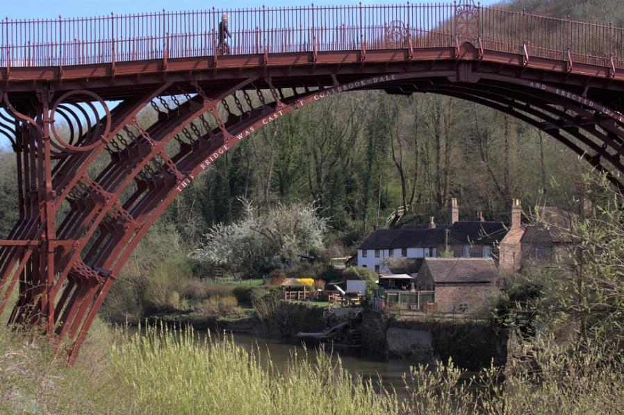 A stroll on the Ironbridge