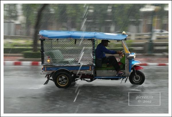 Tuk-tuks in The Rain (9 of 12) by glevensis