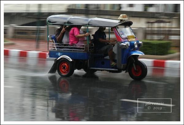 Tuk-tuks in The Rain (12 of 12) by glevensis