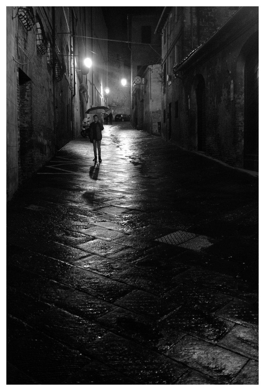 rainy night in siena