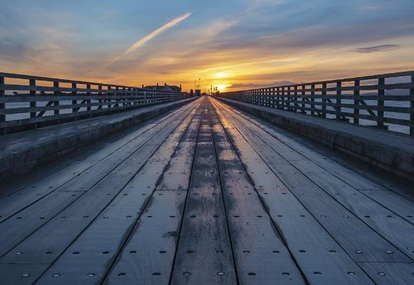 Bridge at Dawn by mondmagu