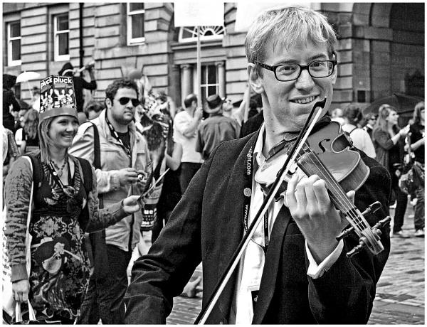 The Happy Fiddler by mac